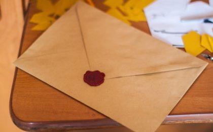 Enveloppe à l'ancienne pour email quotidien